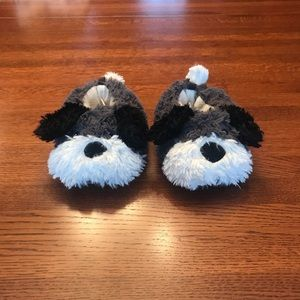 Carter's 9/10 doggie slippers